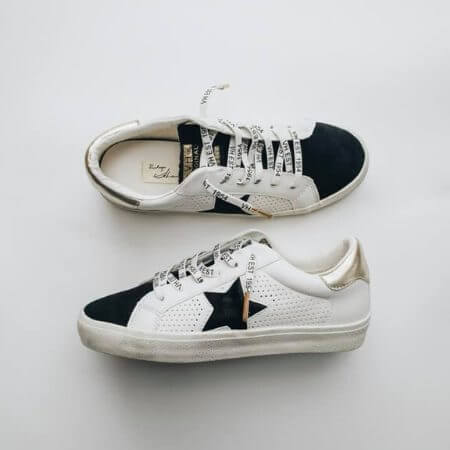 Gift Guide for The Social Butterfly || City and the Stars || VINTAGE HAVANA GADOL SNEAKERS
