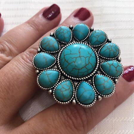 Kasey Leigh Boutique || Round Blossom Turquoise Phone Pop $12.00