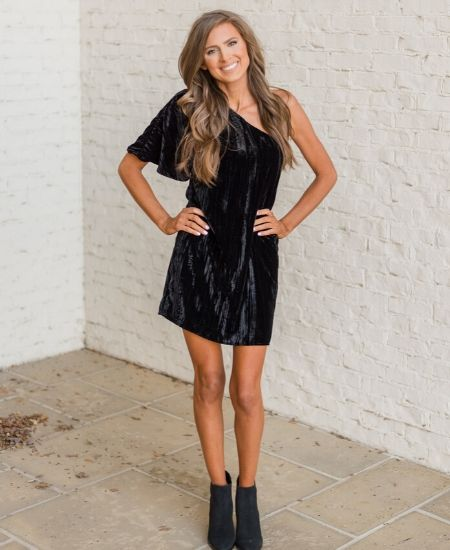 Living Chic Boutique || Velvet One Shoulder Dress-Black $21.00