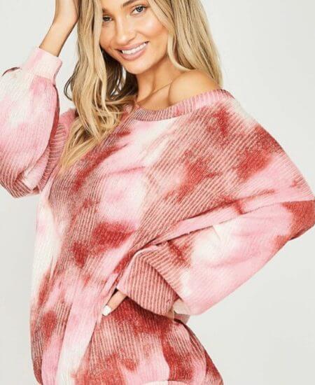 Stiles Boutique    XOXO sweater $ 32.00