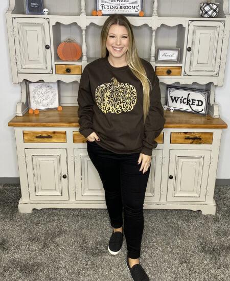 Biester Blessings Boutique || Cheetah Fall Pumpkin Crew Neck Sweatshirt $46.99