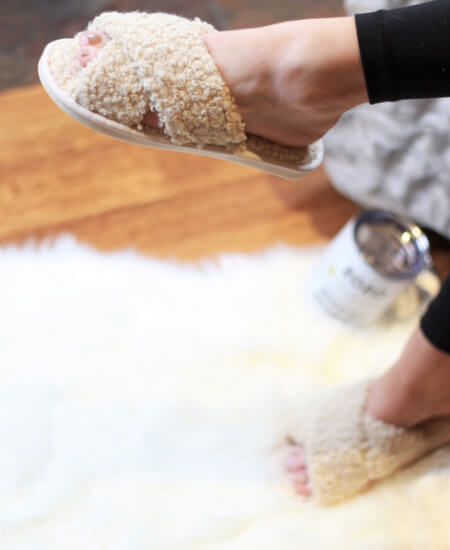 Mob Fashion Boutique || Ultra Fuzzy Sherpa House Shoes $25.50