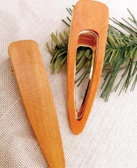 Ardorposh    Cagnog Wooden Hair Clips $22.00