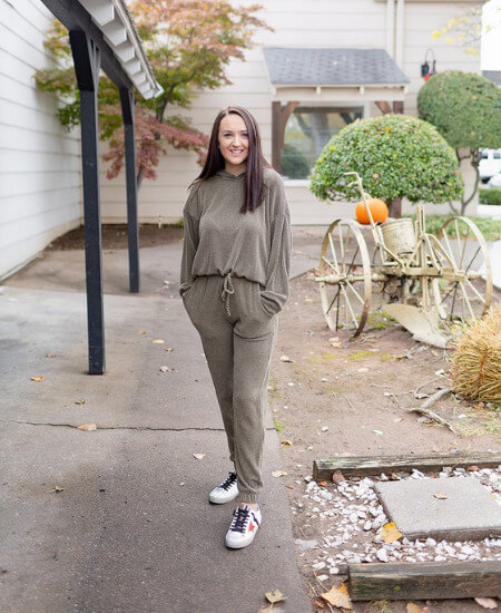Black Sheep Boutique || LOUNGE AROUND RIBBED BOTTOMS - OLIVE $ 38.00