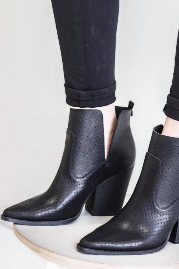 India Mae Boutique | Morgan Black Booties | $39.00