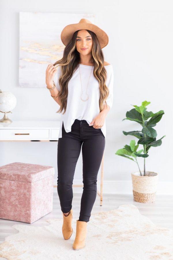 The Mint Julep | Catch A Glimpse Skinny Jeans, Black $42.00